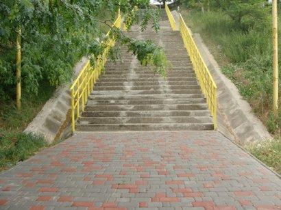 Городские власти Одессы завершили ремонт четырёх лестниц, ведущих к городским пляжам