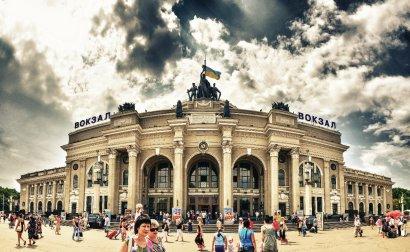 К субботним и воскресным рейсам пассажирского поезда Кишинев – Одесса добавились пятничные