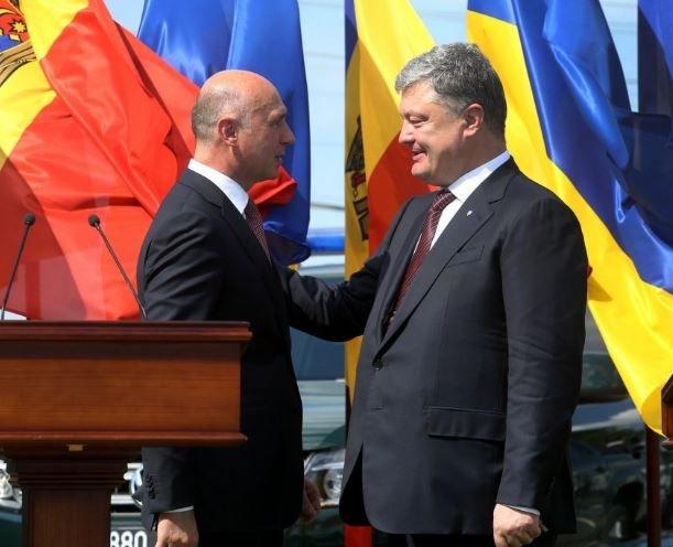 Порошенко пообещал Молдове содействие ввосстановлении еецелостности
