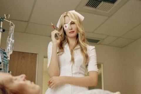 ВКиеве медсестра колола алкоголикам наркотики