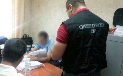 Сразу трое сотрудников райадминистрации задержаны за злоупотребление служебным положением