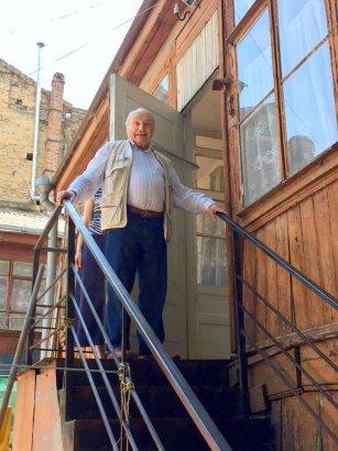 «Вновь я посетил…»: Жванецкий побывал в квартире своего детства