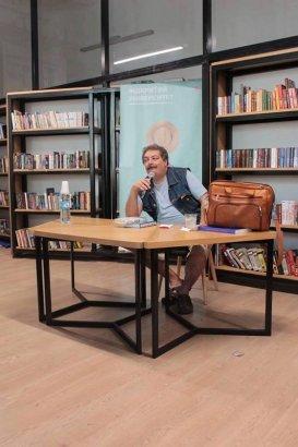 Литературный вечер писателя, поэта, журналиста и публициста Дмитрия Быкова