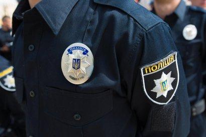Злоумышленники похитили машину полицейских, забросив в нее гранату