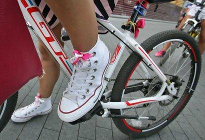 Лучшие друзья девушек — … велосипеды!