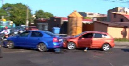 В Одессе появился перекресток поцелуев… автомобилей!