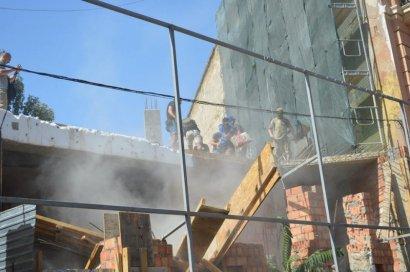 Хозяева стройки у одесского «дома-стены» готовы к нападению радикалов