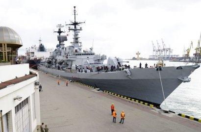 В Одесский порт под видом эсминца вошел… дредноут?
