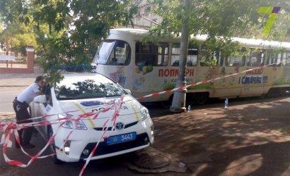 26-ти летняя одесситка попала под трамвай