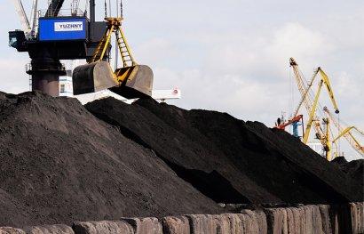 Американский уголь в порту Южном разгружают по-стахановски!