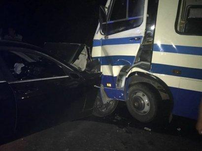 В Одессе столкнулись маршрутка с иномаркой. Есть пострадавшие