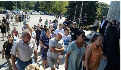 Родители погибших детей просят активистов не использовать трагедию пансионата «Виктория» для собственного пиара (ВИДЕО)