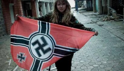 Скандально известной неонацистке разбили нос в ходе столкновений у стройки на ул. Каманина
