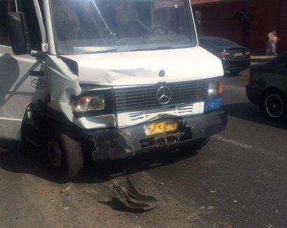 В Одессе произошло очередное ДТП с участием маршрутного автобуса
