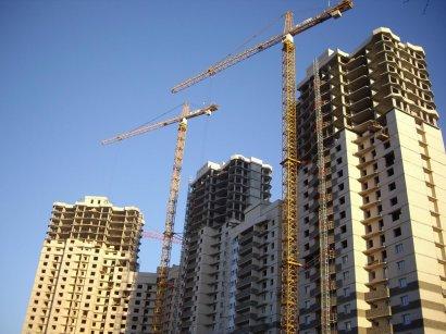 В преддверье разгула стихии все высотные краны на стройплощадках города должны быть надежно закреплены