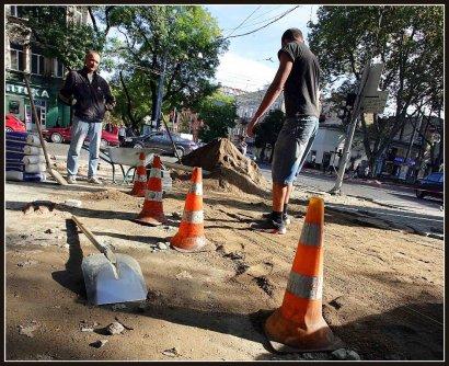 Мэр крайне недоволен темпами работ на улице Пушкинской (ФОТО)