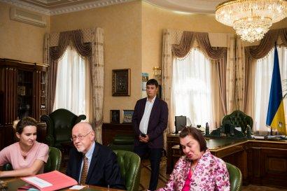Одна из первых судей Международного уголовного суда посетила Одессу