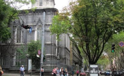 Иудейская община Одессы оформляет документы на выделение ей земельного участка под зданием на Жуковского