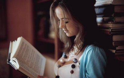 Ученые: Книги увеличивают продолжительность жизни, а от соцсетей бессонница