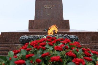 Одесситы возложили цветы к памятнику Неизвестному матросу в честь Дня освобождения Украины от фашистских захватчиков