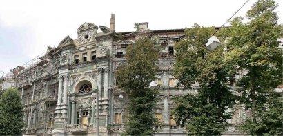 Дом Руссова: очередной пожар, танцы и охрана