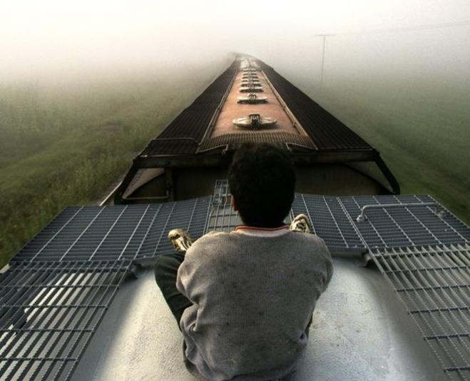 ВОдессе 12-летний ребенок вылез напоезд иполучил удар током