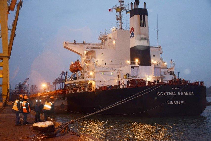 Впорт Черноморска прибыло судно суглем изЮАР