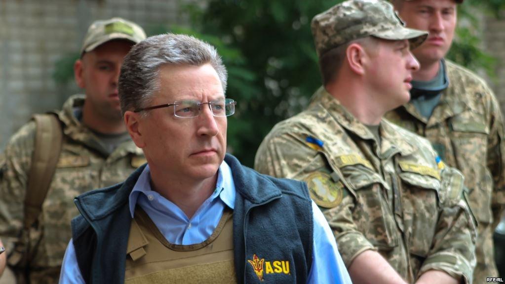 Порошенко иТиллерсон обсудили шаги поразвёртыванию миссии ООН вДонбассе