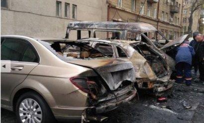 В Одессе на трёх парковках за ночь сгорели около 20 автомобилей