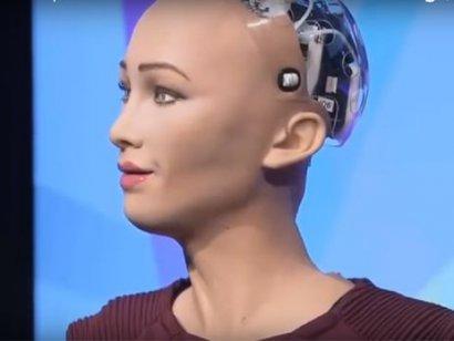 Человекоподобный робот София заявила, что планирует создать семью.