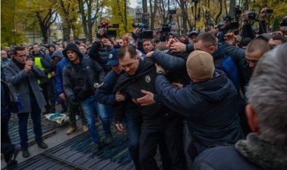 Экс-глава одесского «Правого сектора» снимал беспорядки в Горсаду в качестве журналиста