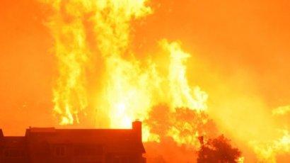 Пожары в Калифорнии: огонь угрожает Санта-Барбаре