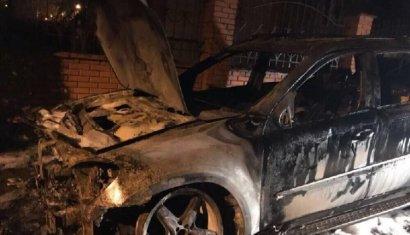 Сразу пять автомобилей сгорели сегодня ночью в Одессе