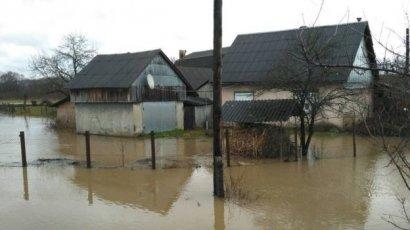 """Паводок на Закарпатье: """"вода наделала большой беды"""" ФОТО"""