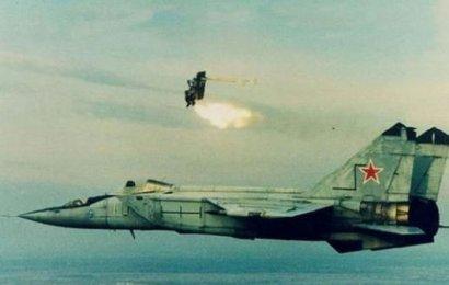 У летчика заветная мечта – высота и скорость