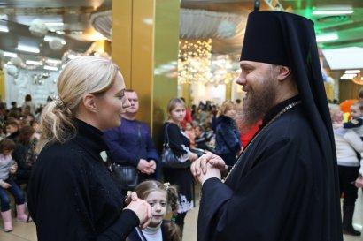 По благословению митрополита Агафангела епископ Арцизский Виктор принял участие в благотворительном концерте, приуроченном ко дню Святого Николая для детей из Одессы и Одесской области