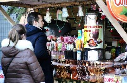 На Приморском бульваре работает рождественская ярмарка