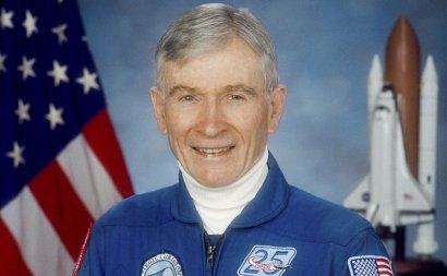 Умер американский астронавт Джон Янг