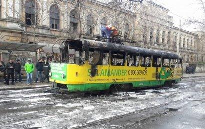 В ходе возгорания трамвая в Одессе пострадали два человека
