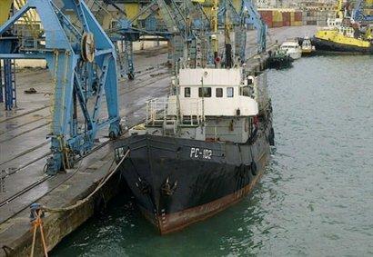 Моряки с проблемного судна в Албании вернулись домой