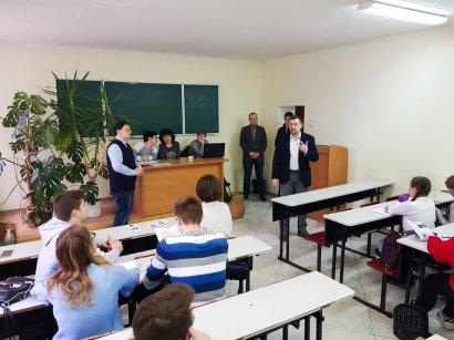 В Одесской Юракадемии школьники определяли сильнейших в игре «Что? Где? Когда?»