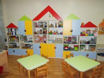 Детские садики перегружены более чем наполовину. Но места хватает всем!