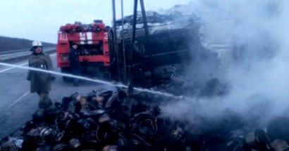 На Киевской трассе сгорел грузовик, груженный посудой