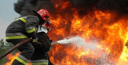 В Одессе загорелся и едва не взорвался грузовик
