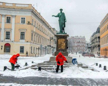 Снегопад Одессе нипочем!