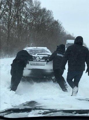 За минувшую ночь полицейские в области спасли от обморожения десять человек