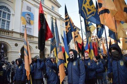Во Львове ко дню гибели Шухевича состоялось факельное шествие