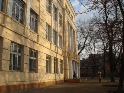 На ограждение школы №122, возле которой была перестрелка, потребуется 1,5 миллиона грн.