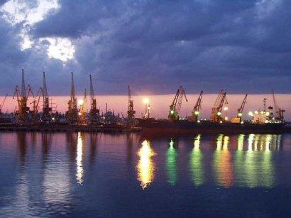 Одесский порт увеличил доходы и зарплаты