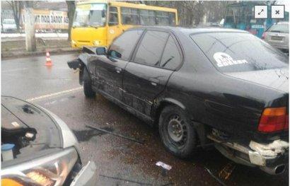 ДТП с участием сразу четырех автомобилей произошло прямо возле штаба Патрульной полиции